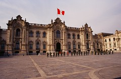 Discover the history at Palacio de Gobierno - Things to do in Lima