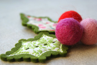 felt and fabric leaves and berries | by nanaCompany