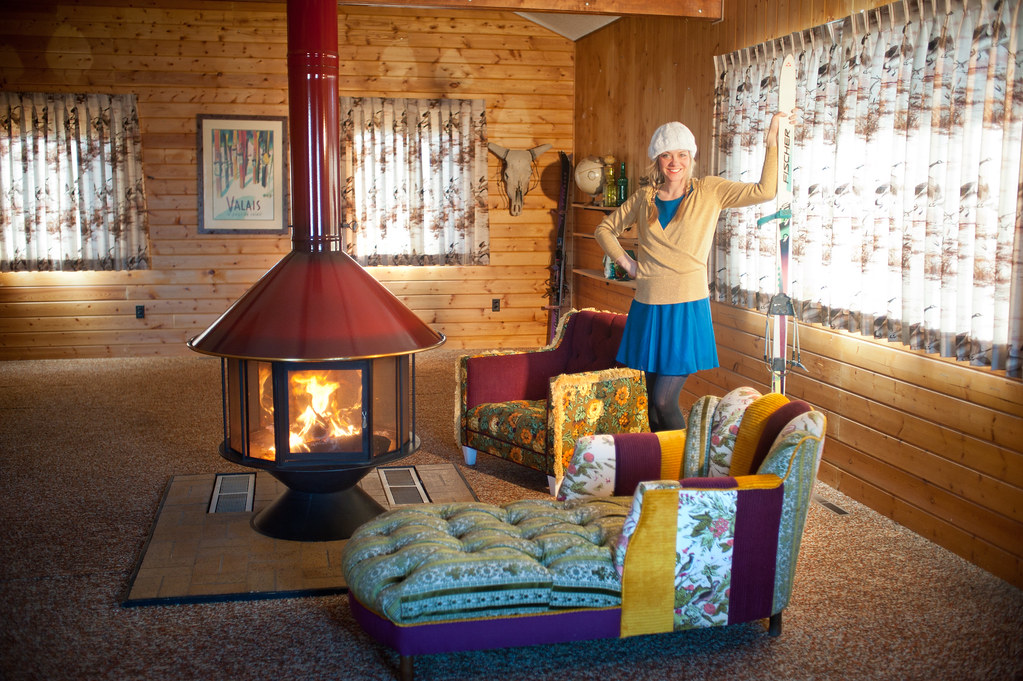 Ski lodge with vintage renewal eclectic cabin decor for Ski lodge decorating ideas