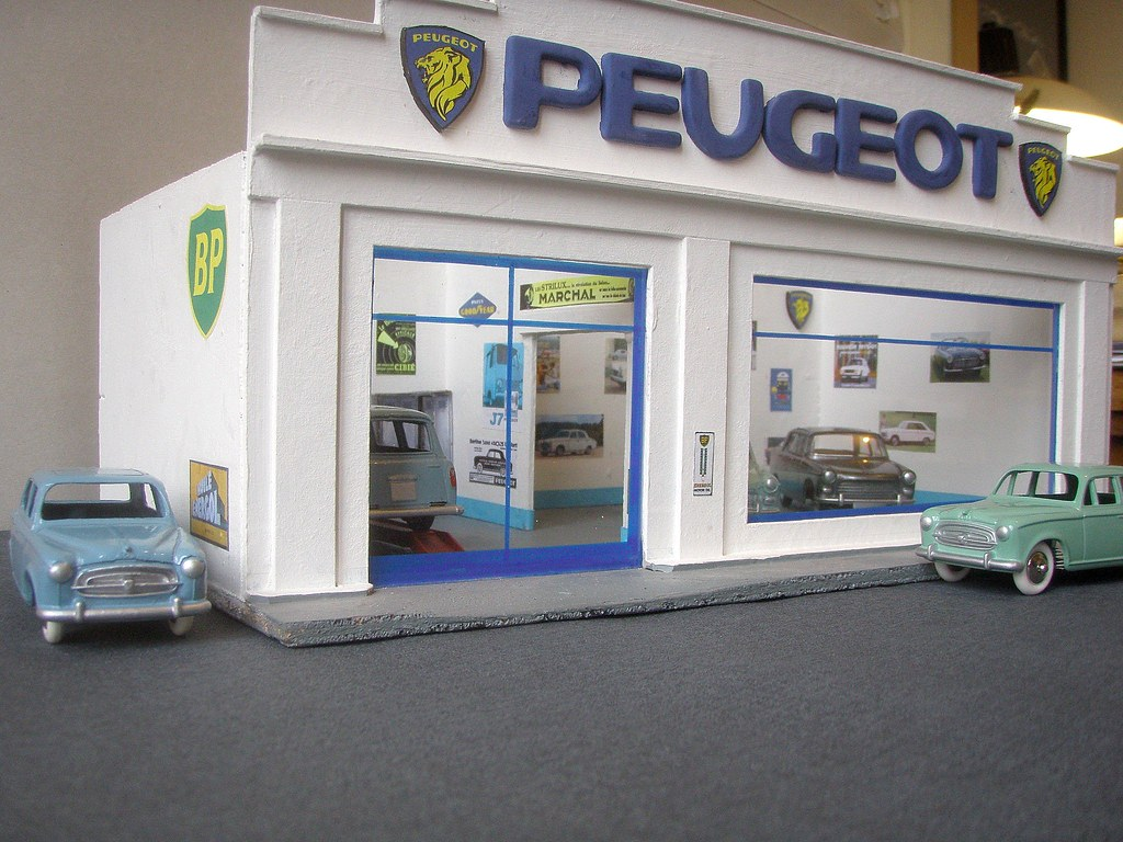 garage peugeot 1 43eme d c2011 petite petite. Black Bedroom Furniture Sets. Home Design Ideas