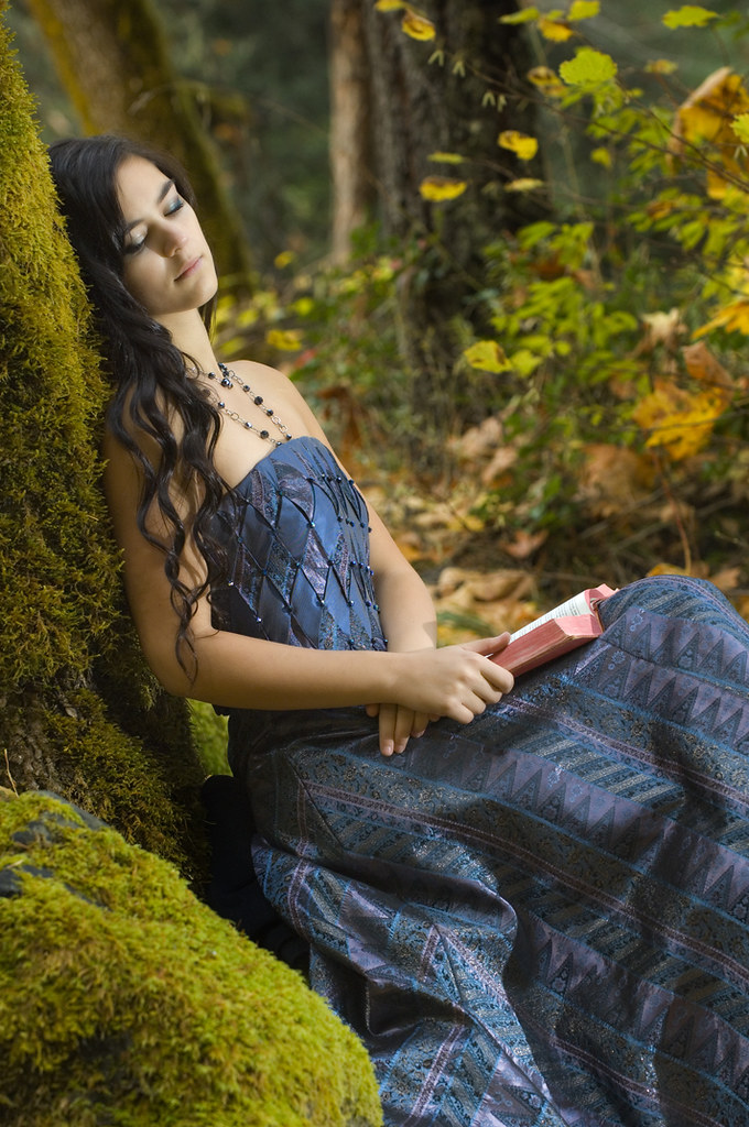 Young Romantic Woman Reading | Speedlight camera right at