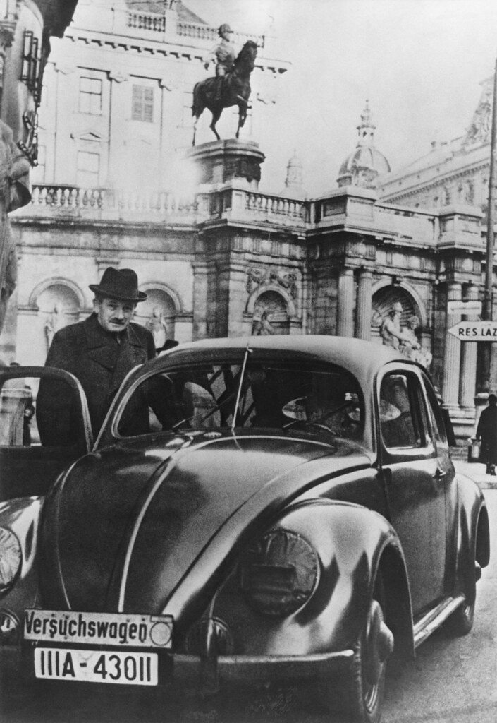 ferdinand porsche montando en un escarabajo stuttgart 19 flickr. Black Bedroom Furniture Sets. Home Design Ideas