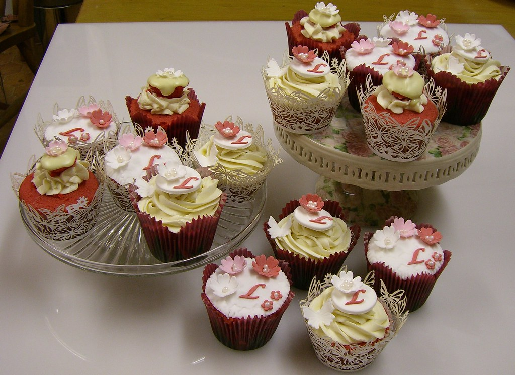 Red Velvet Birthday Cupcakes | Birthday Cupcakes for my love ...