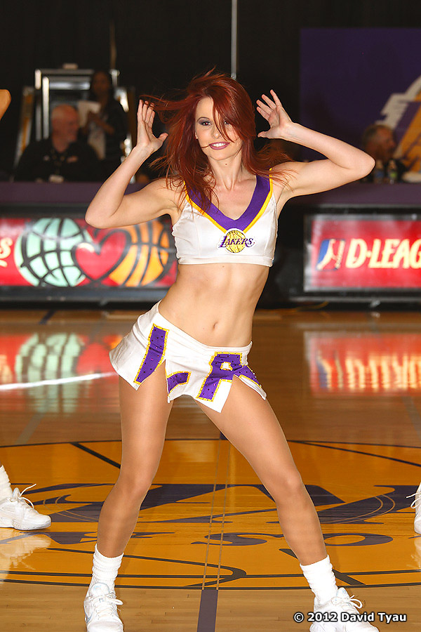 LakerGirls020412V26