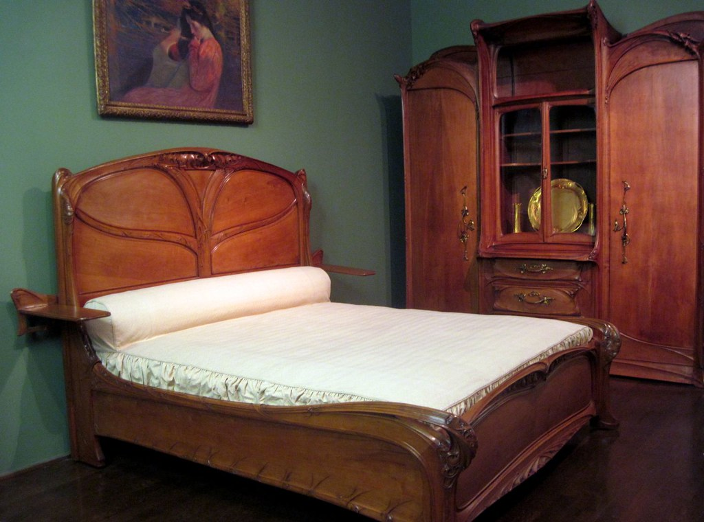 Art nouveau bedroom furniture by hector guimard explore for Arts and craft bedroom furniture