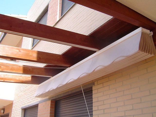 Toldo pergola flickr photo sharing for Guias para toldos pergolas