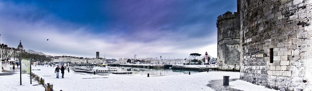 Vieux port de la rochelle sous la neige vue panoramique for Sous couche acrylique la rochelle