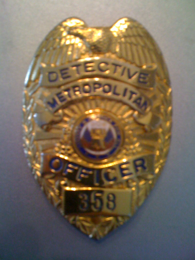 Metropolitan Police Movie Prop Badge  Movie Prop Badge -5864