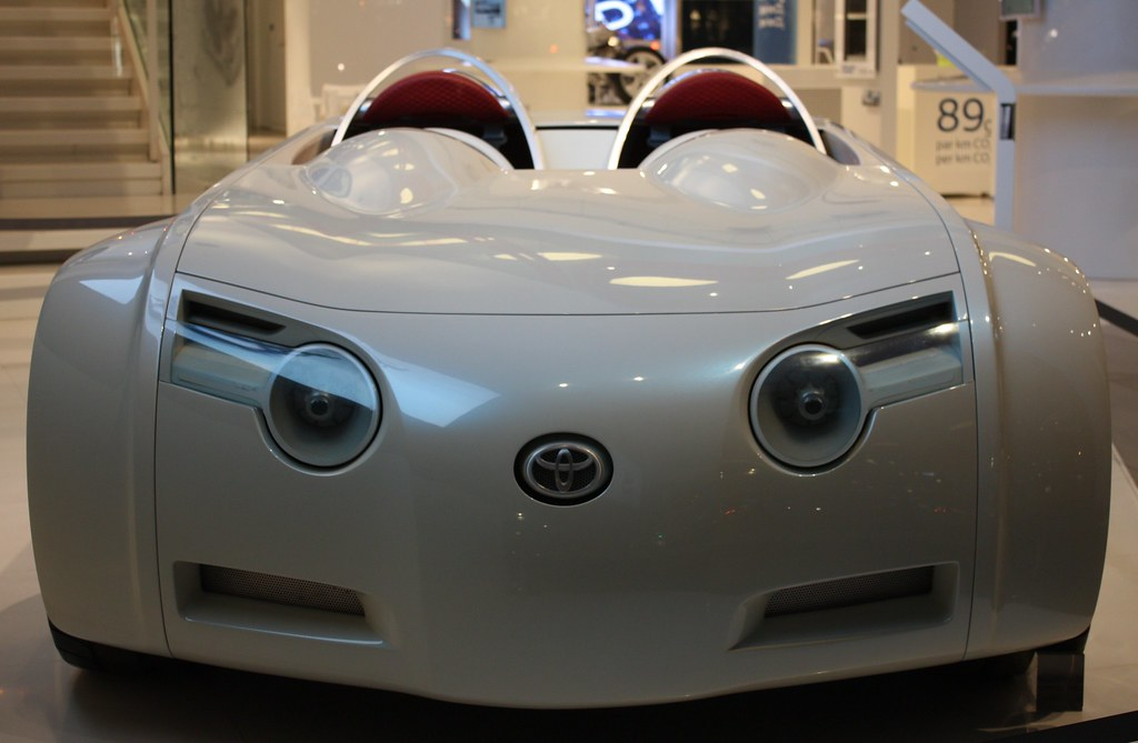 toyota concept car looks like a cat toyota concept cat. Black Bedroom Furniture Sets. Home Design Ideas