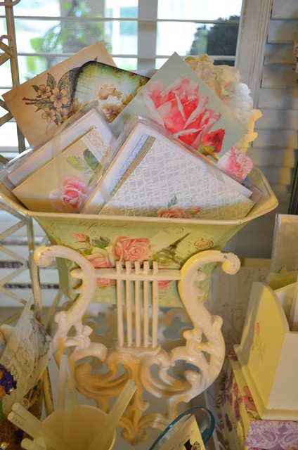Shabby Chic Decorations Top Of Kitchen Cabinets