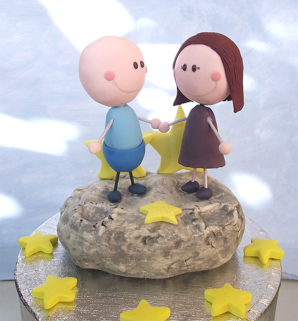 Cute Anniversary Cake Images : Cute anniversary cake topper moon scene Unique cake ...