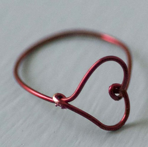 Make a Wire Heart Finger Ring | by maize hutton