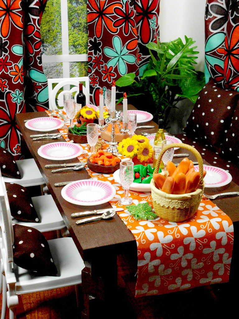 Setting The Table For Thanksgiving Dinner Episode 13