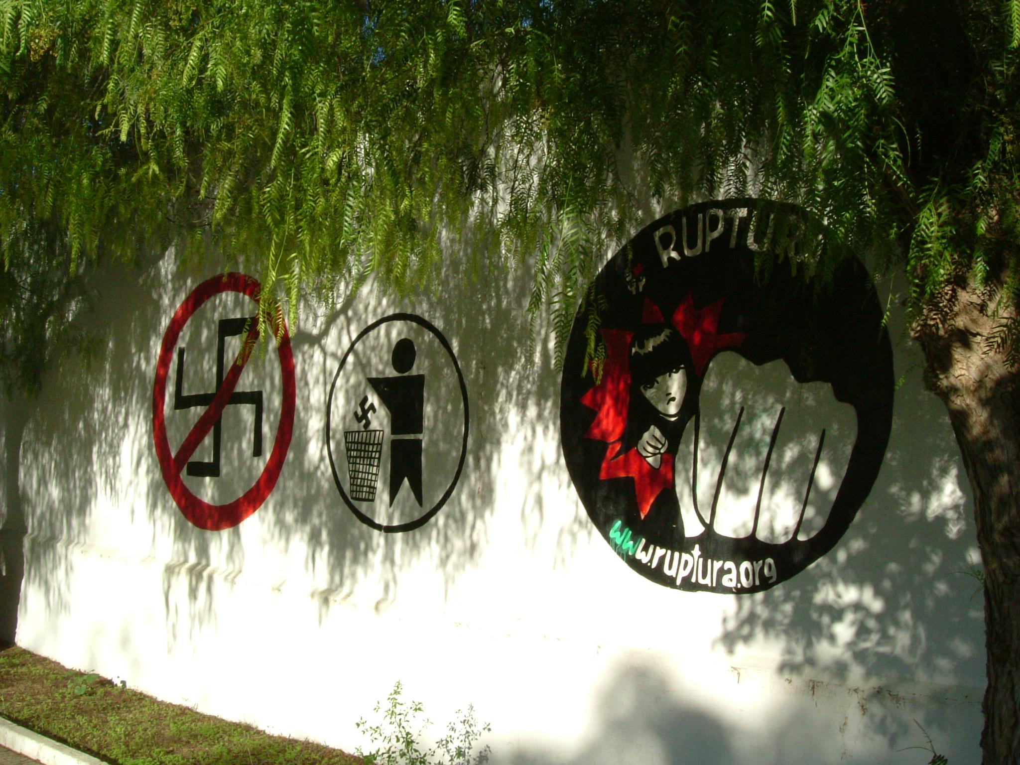 Muros hablados