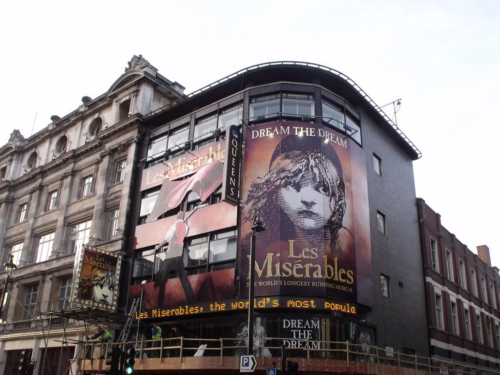 Queens Theatre Shaftesbury Avenue Les Miserables Flickr