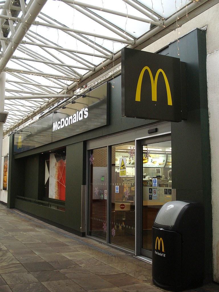 McDonalds, Croydon, London CR0 | In one of the entrance arca ...