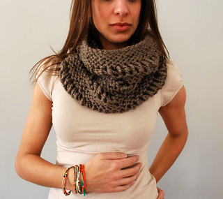 Drop Stitch Cowl in Shale | by SpiderWomanKnits