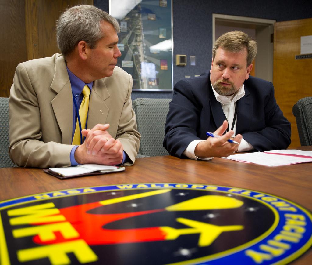 NASA Chief Technologist Visits NASA Wallops (201201240006H ...