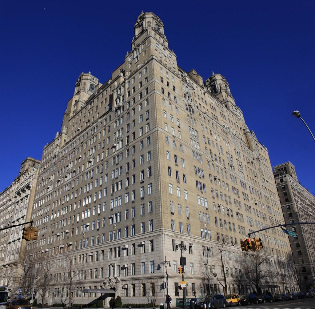 211 Central Park West, Upper