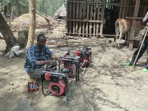 A water pump repair man in North Gondar zone (photo credit: ILRI\Yigzaw Dessalegne)