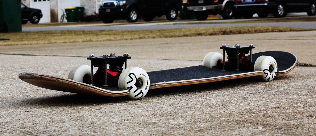 Hellaflush Skateboard | Modded an old skateboard and ...