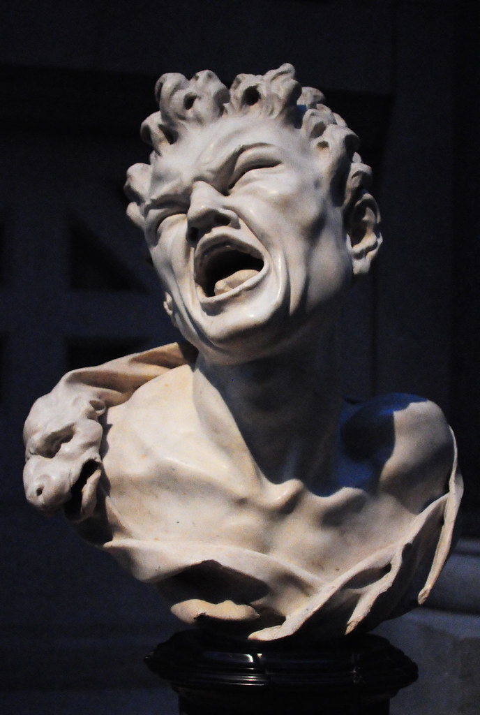 screaming statue at the met cosmo segurson flickr