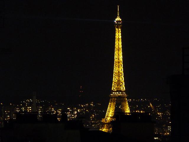 Torre Eiffel iluminada (París)