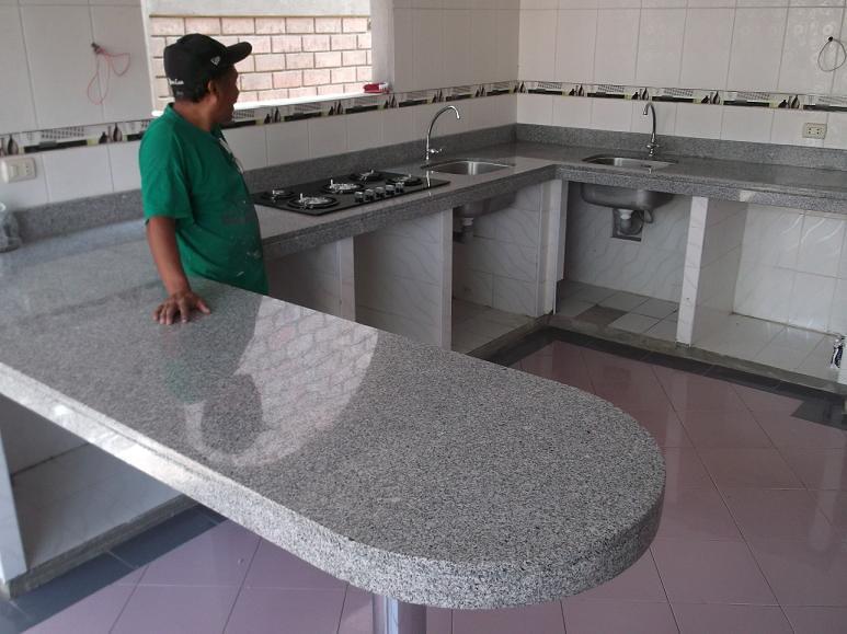 Encimera cocina granito blanco serena isla encimeras for Encimera granito blanco