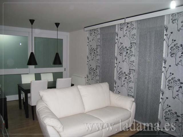 Decoraci n para salones modernos cortinas paneles japone - Cortinas para comedores modernos ...
