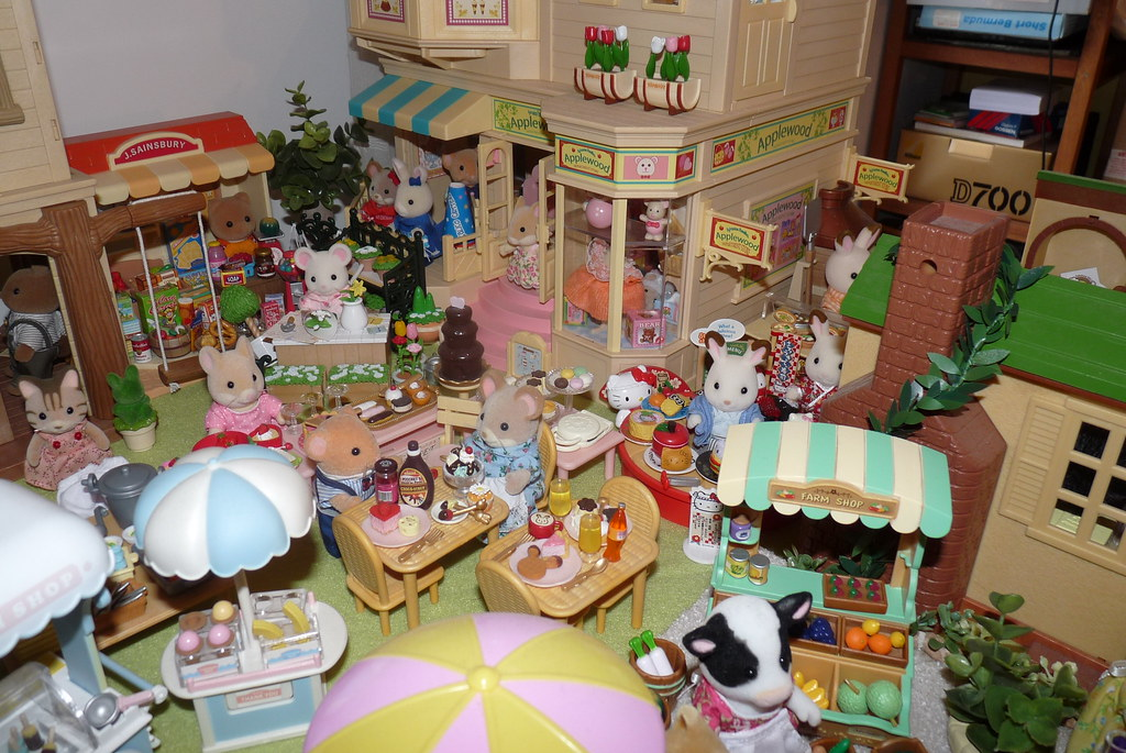 Sylvanians Of Loverwood Photo Collection 1