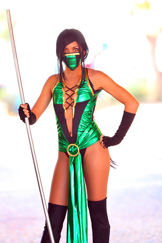 Paris Sinclair as Jade Mortal Kombat 2012 Amazing AZ comic con | by gbrummett