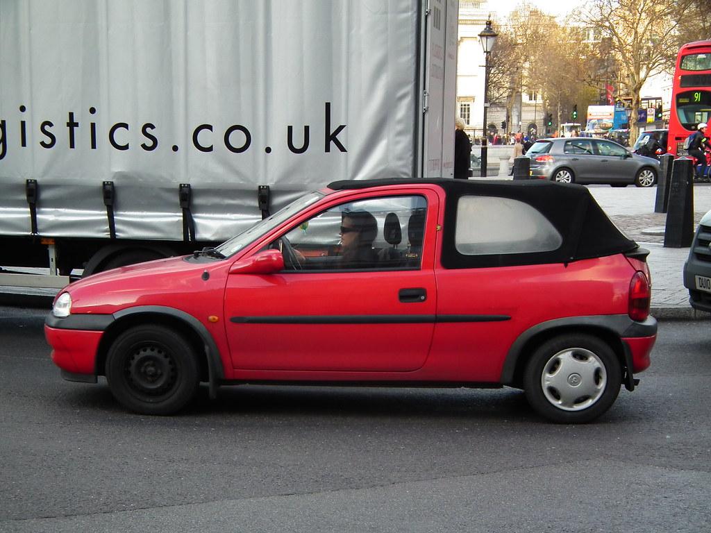 corsa cabrio 1998 vauxhall corsa b convertible kenjonbro flickr. Black Bedroom Furniture Sets. Home Design Ideas
