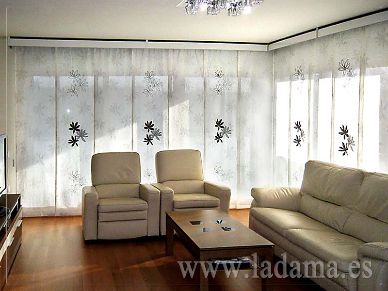 Decoraci n para salones modernos cortinas paneles japone for Ideas para cortinas de salon