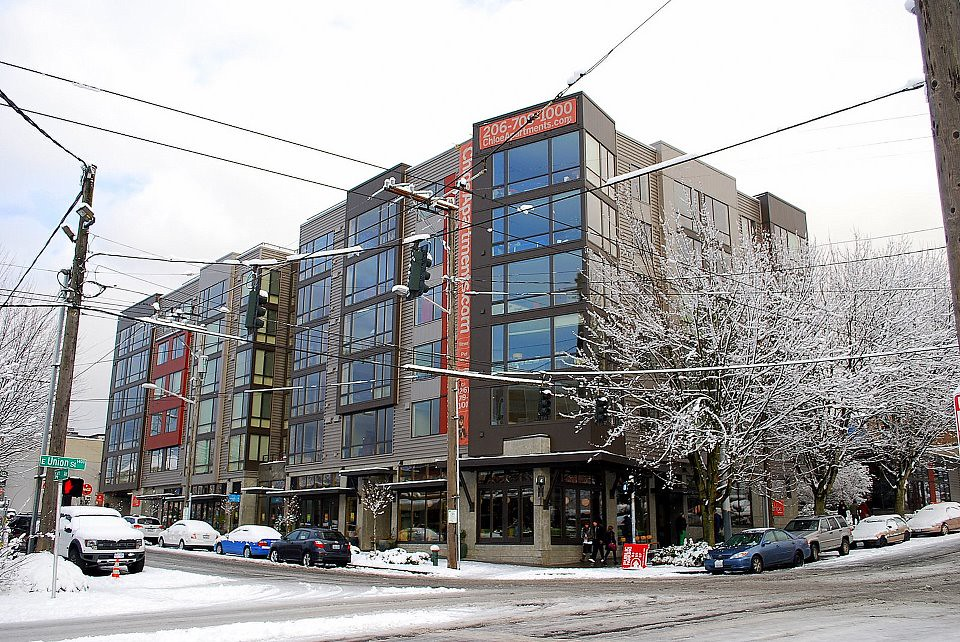 Snowy Chloe Apartments Seattle Wa Joe Wolf Flickr