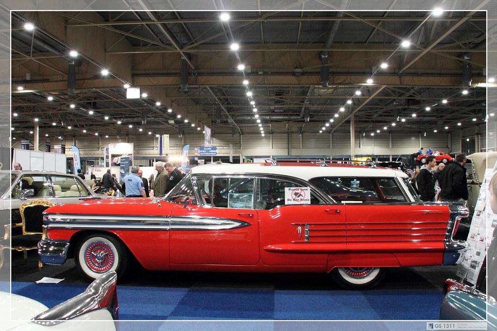 1958 Oldsmobile Super 88 Fiesta Hardtop Station Wagon 01