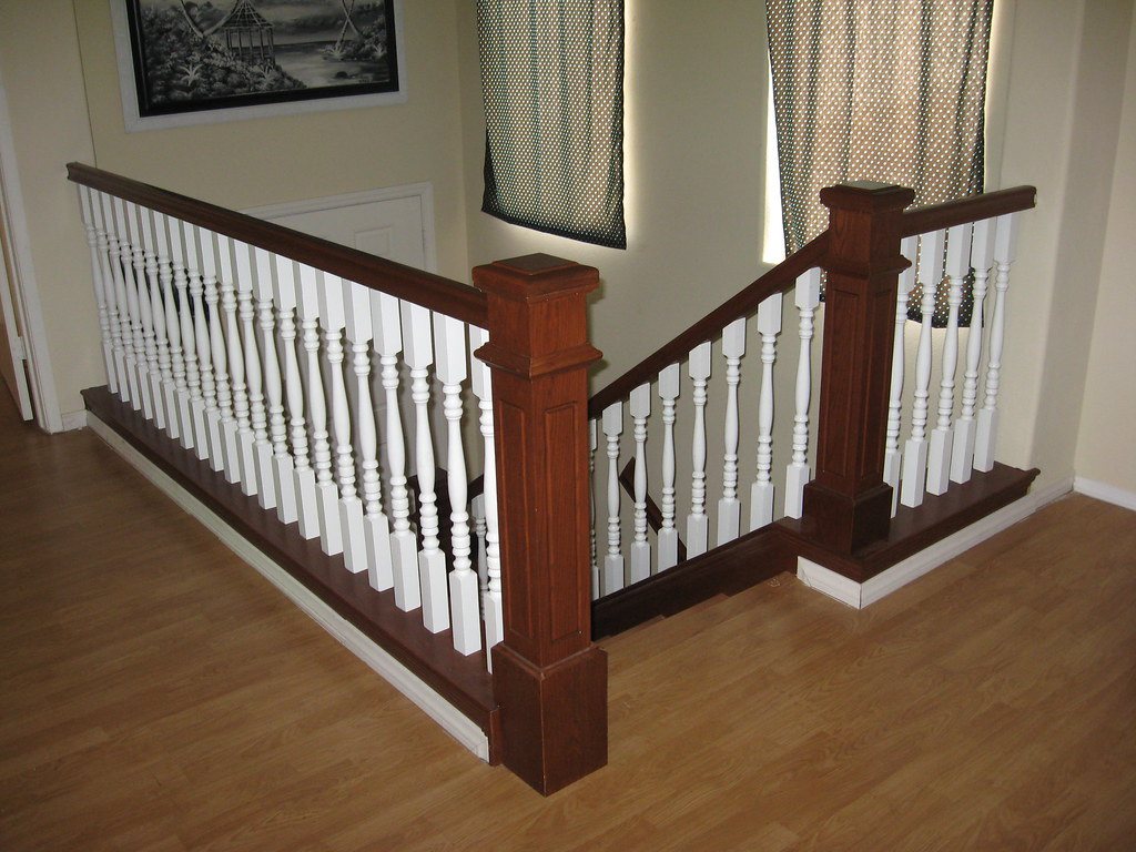 Stained Oak Handrail with White Spindles and Solid Oak Ste