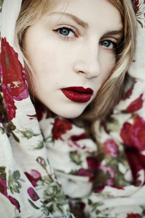 red rose lioba hair make up and assistance by caroline flickr. Black Bedroom Furniture Sets. Home Design Ideas