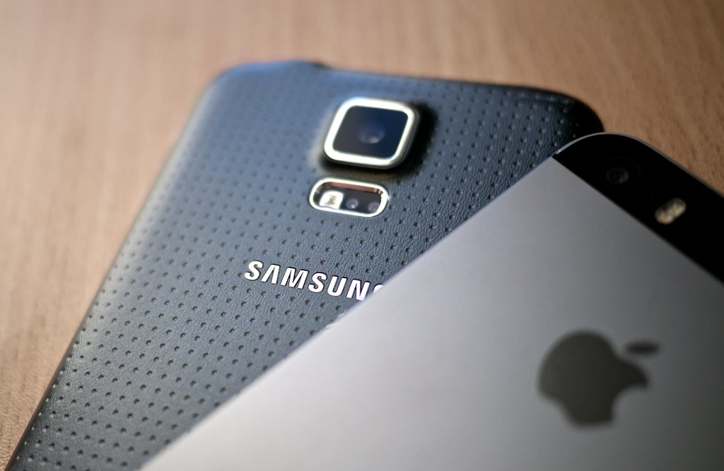 Iphone  Vs Samsung S