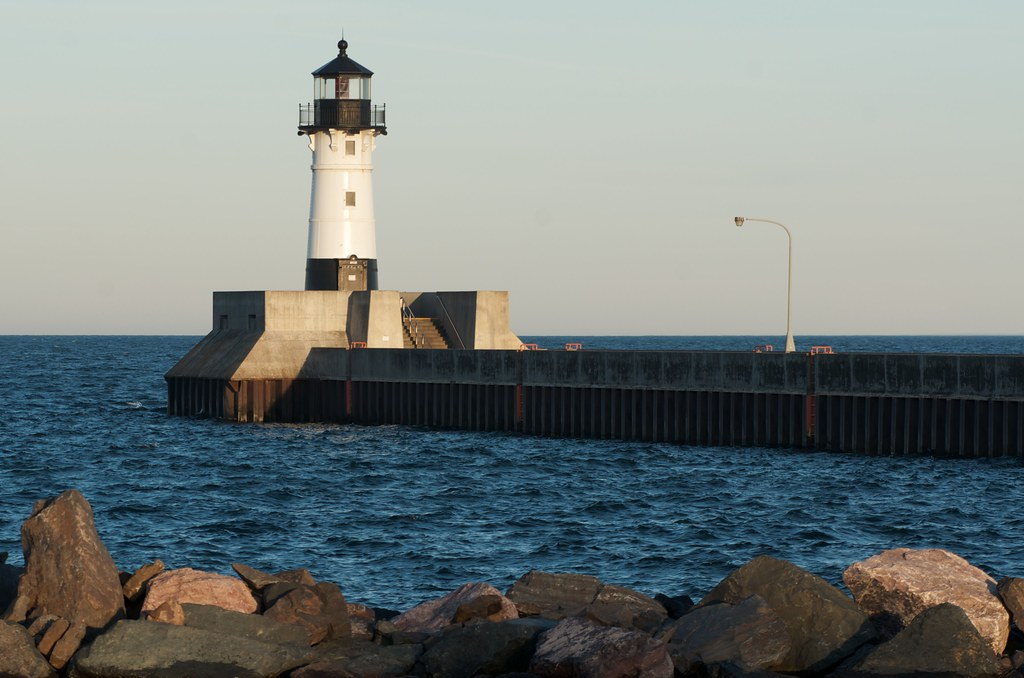 duluth north pier lighthouse fall 2011 this lighthouse