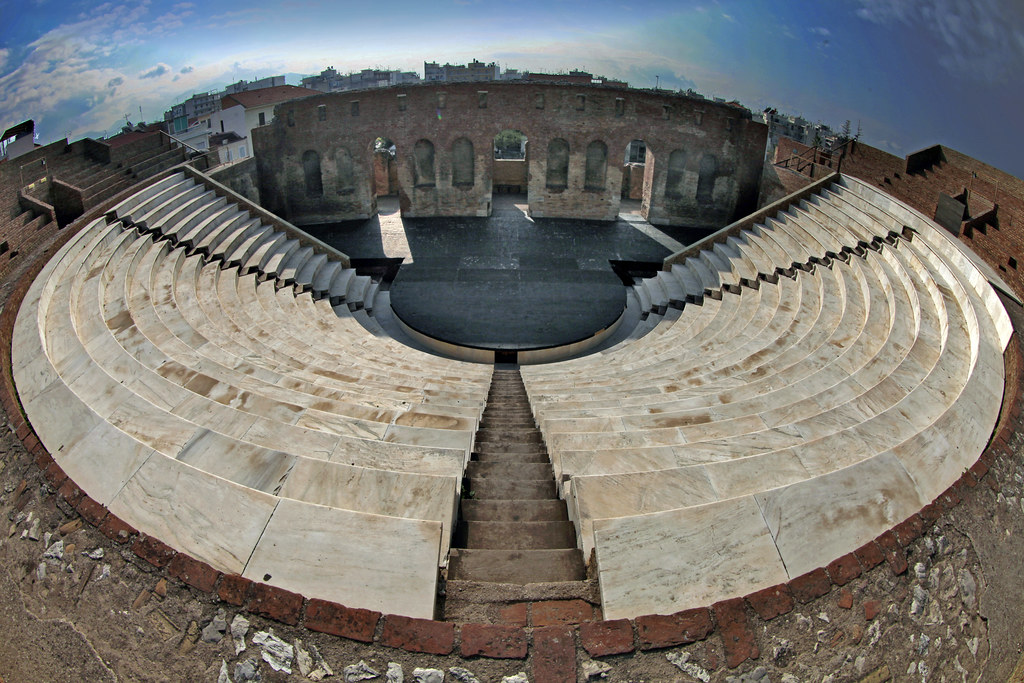 roman theatre A description of what it would have been like to attend a play in ancient rome.
