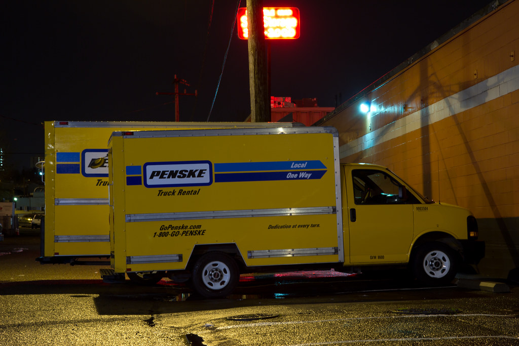 Penske 12' and 16' comparison | Happened to see these two tr… | Flickr