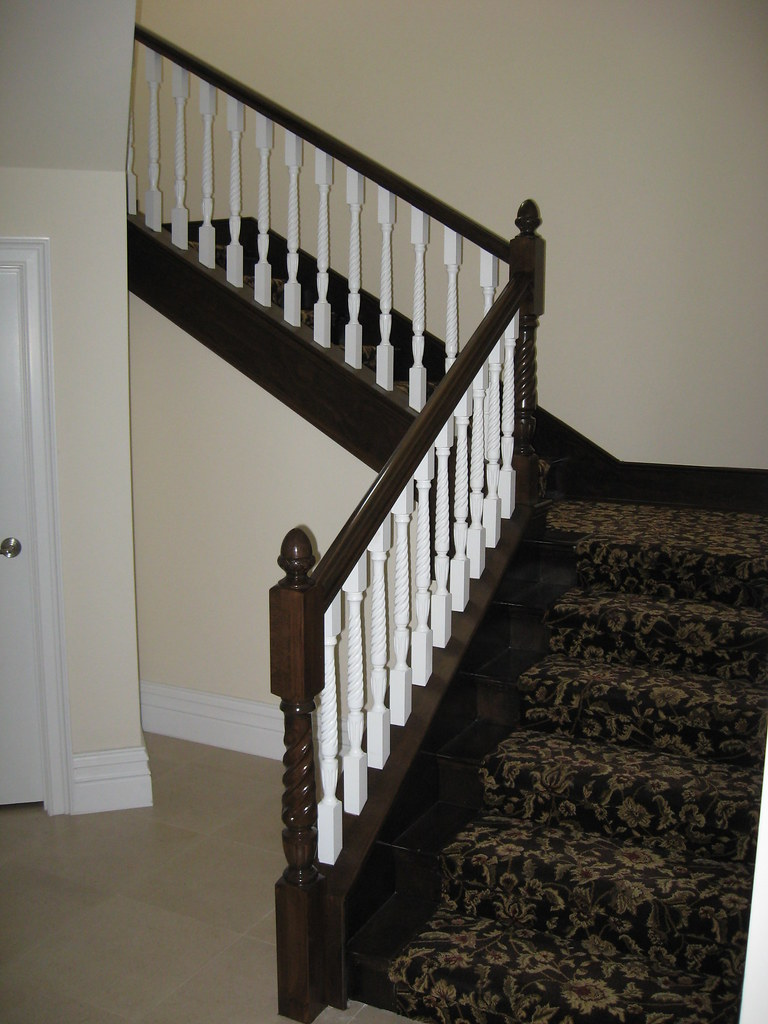 Dark Stained Beech Wood Railing With White Spindles Skirt