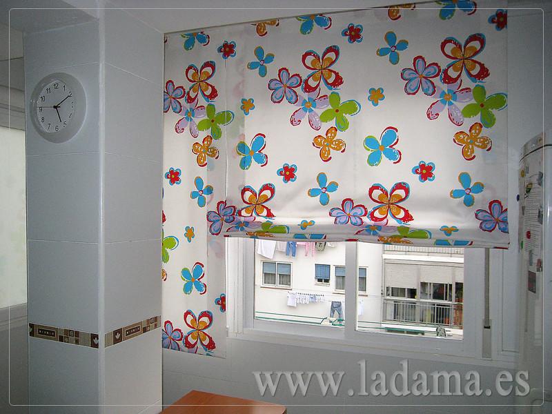 Cortinas para cocina visillos y estores con tejidos color for Decoracion cortinas cocina