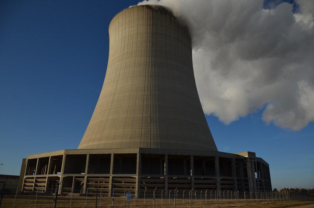 Imagini pentru centrala nucleara