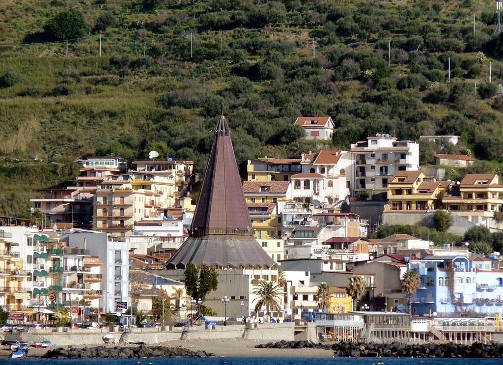 Giardini naxos me la cupola della chiesa di maria ss flickr - I giardini di naxos ...
