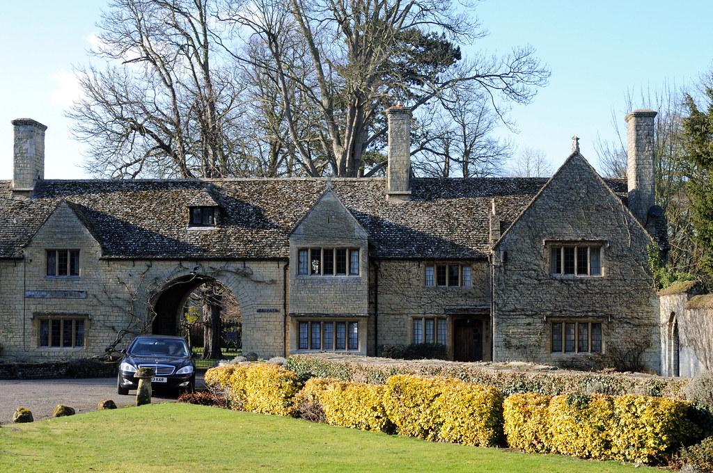 ROBIN GIBB Prebendal House Thame Oxfordshire - YouTube