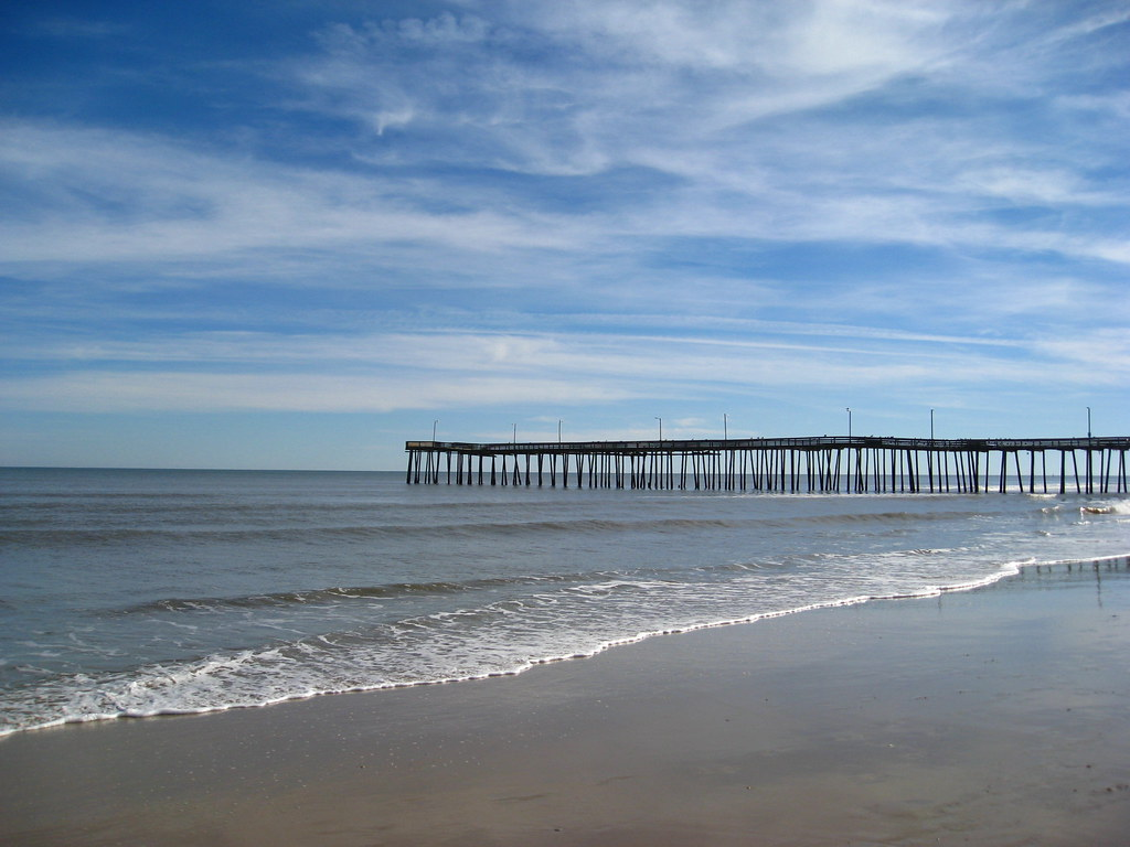 Virginia beach fishing pier virginia beach thanksgiving for Fishing piers in va