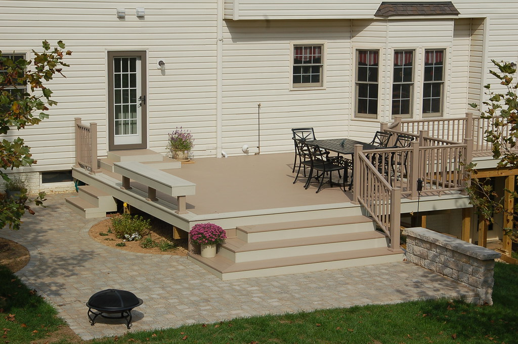 Azek Brownstone Deck Custom Deck With Double Border