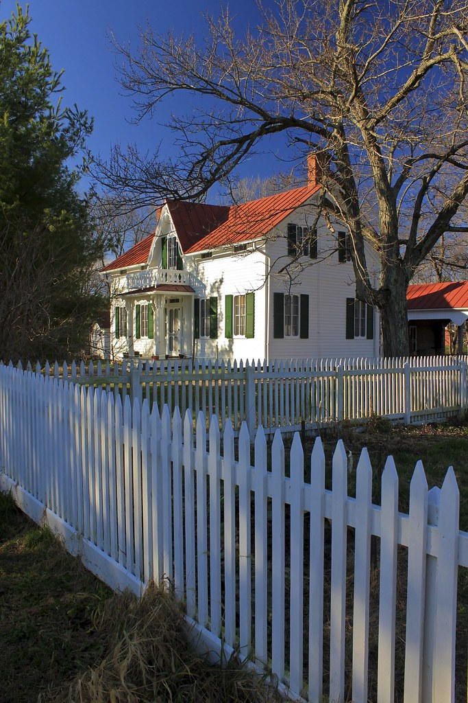 Gothic revival farmhouse november 25 2011 isaac for Gothic revival farmhouse