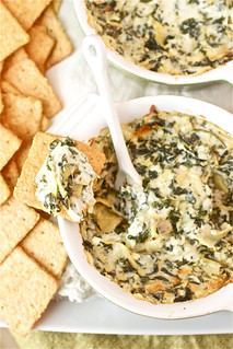 Restaurant Style Spinach and Artichoke Dip | by Smells Like Home